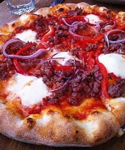 Delfina pizza sausage